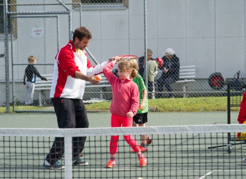 Unterricht der Kids Tennis High School